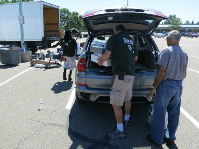 The apex crew for bara shredding event will remove your electronics as pictured here from 2013's Boulder-Recycle-a-thon last load being emptied out of a car