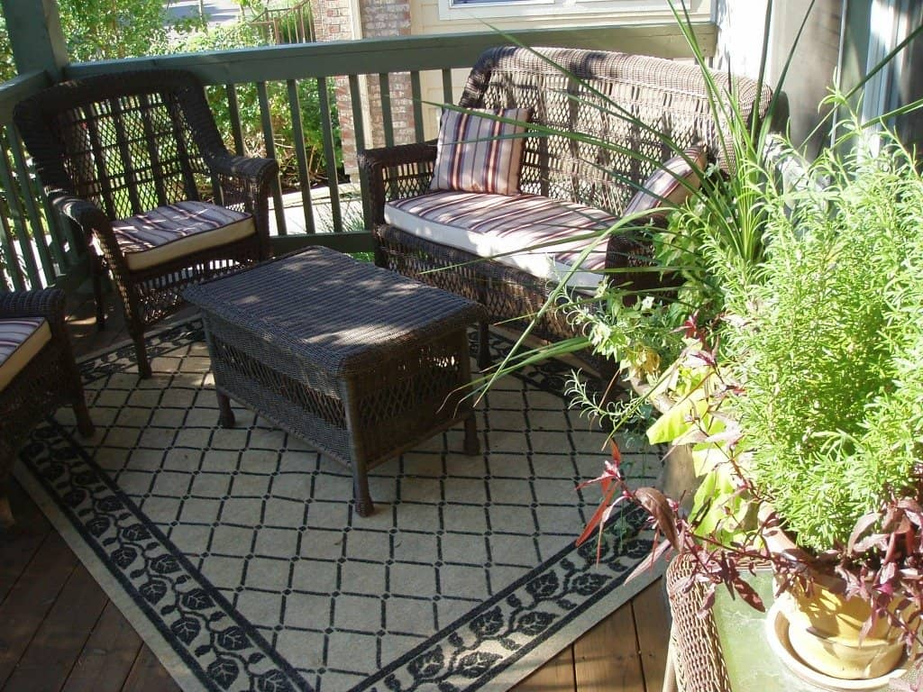 Boulder outdoor patio deck space boulder real estate news for Outdoor rugs for deck