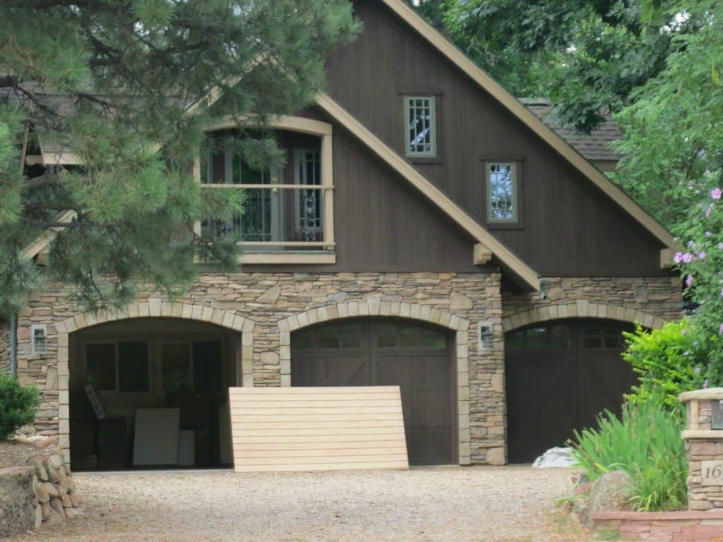 Car Garage With Living Quarters Above